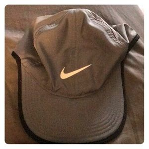 Nike dry fit featherlight hat